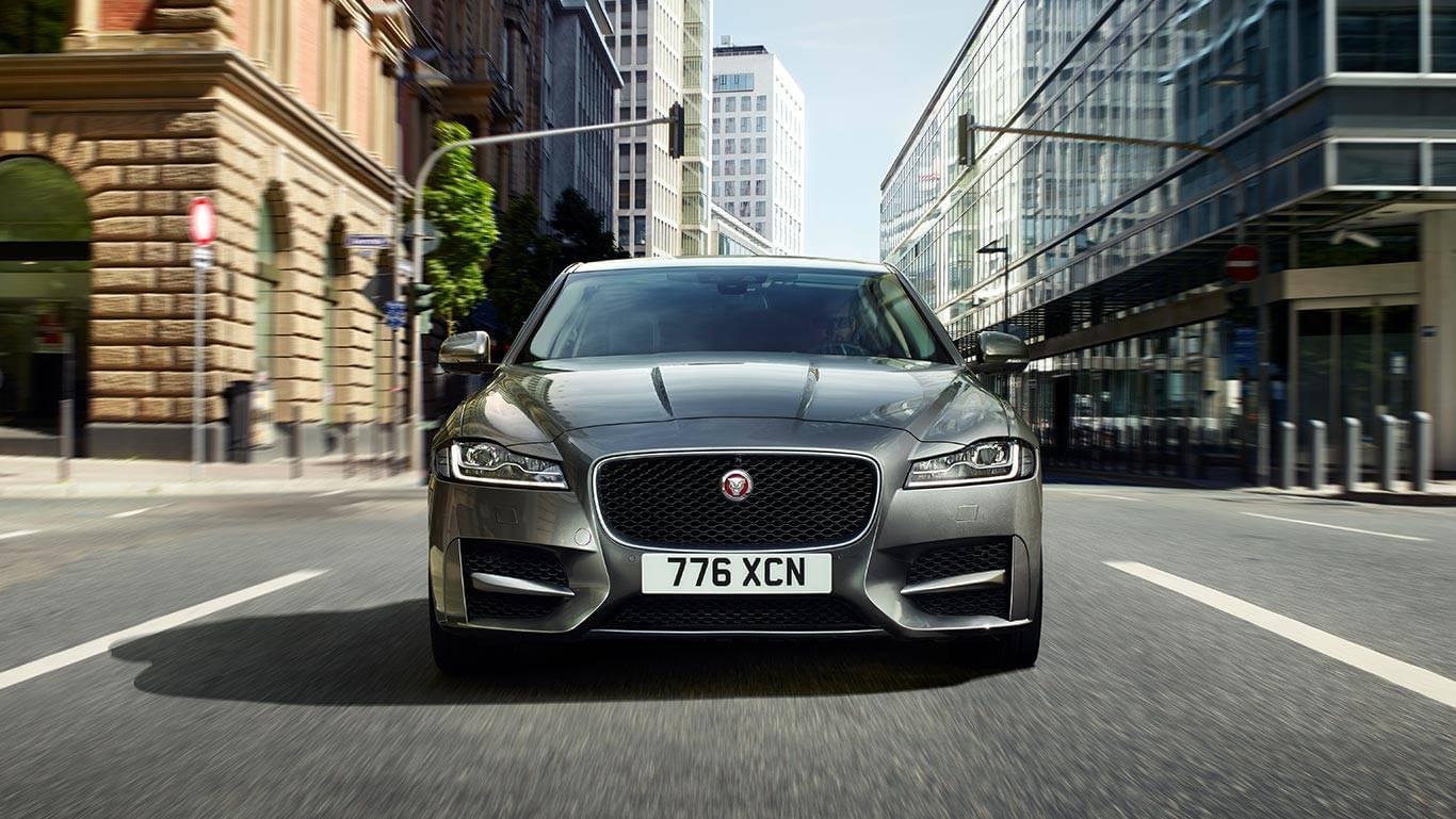 2018 Jaguar XF 5