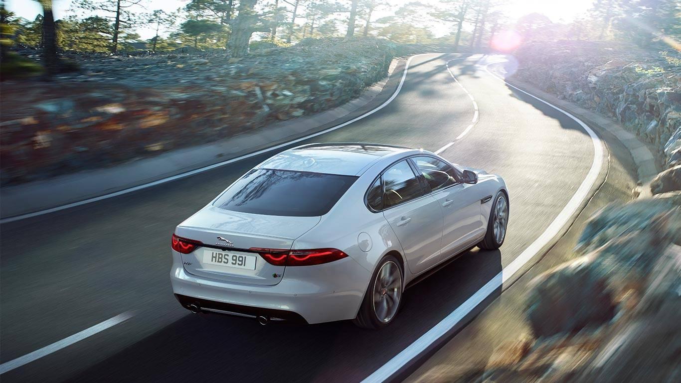 2018 Jaguar XF 8