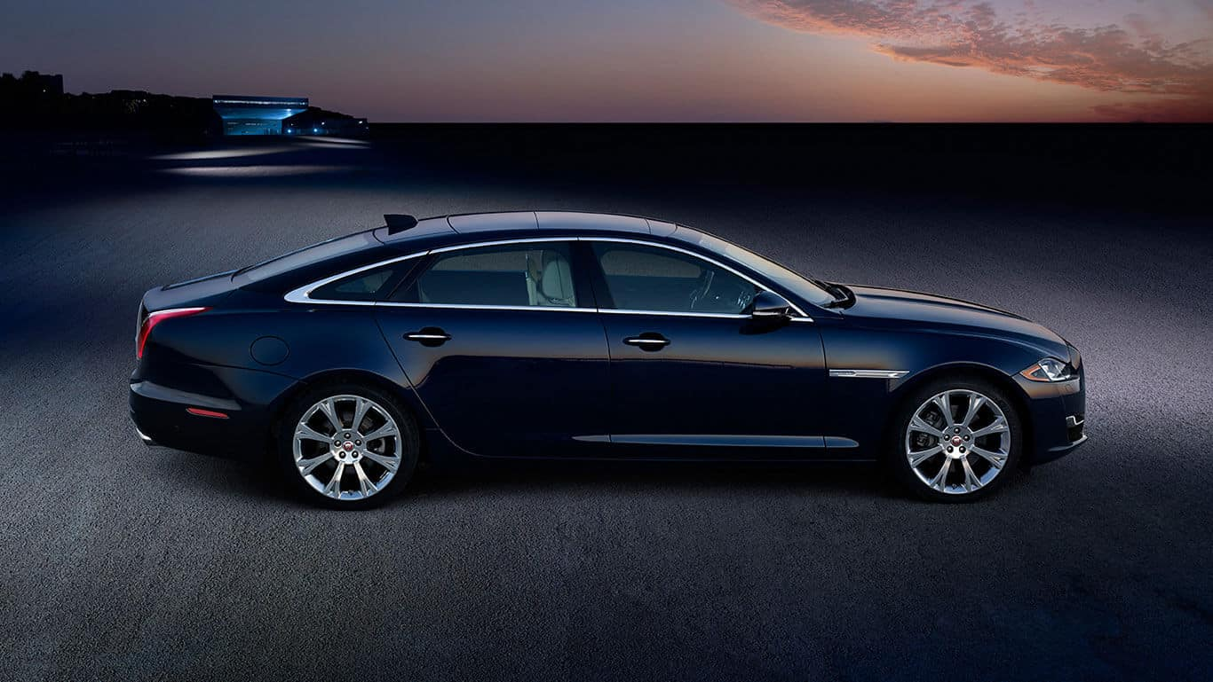 2018 Jaguar XJ Side Profile