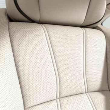 2018 Acura RLX leather seating