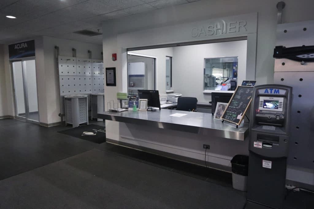 cashier-counter-mcgrath-acura-of-westmont