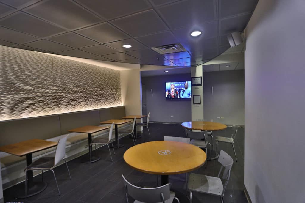 tv-in-lounge-mcgrath-acura-of-westmont