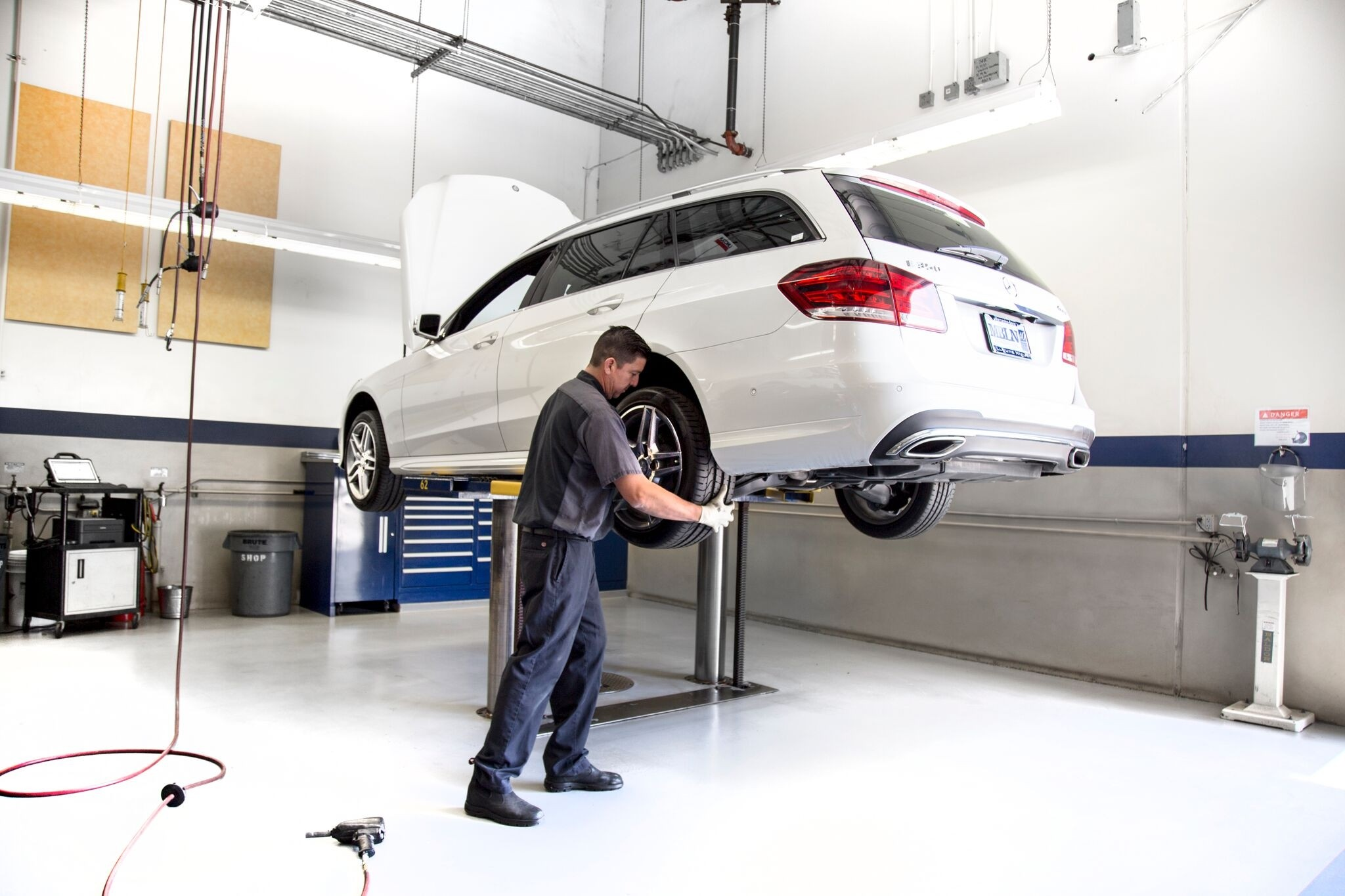 Servicing your mercedes benz at your local dealership vs for Mercedes benz of miami service