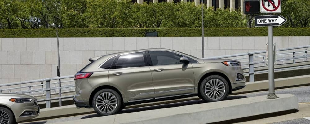 2020 Ford Edge Driving up hill