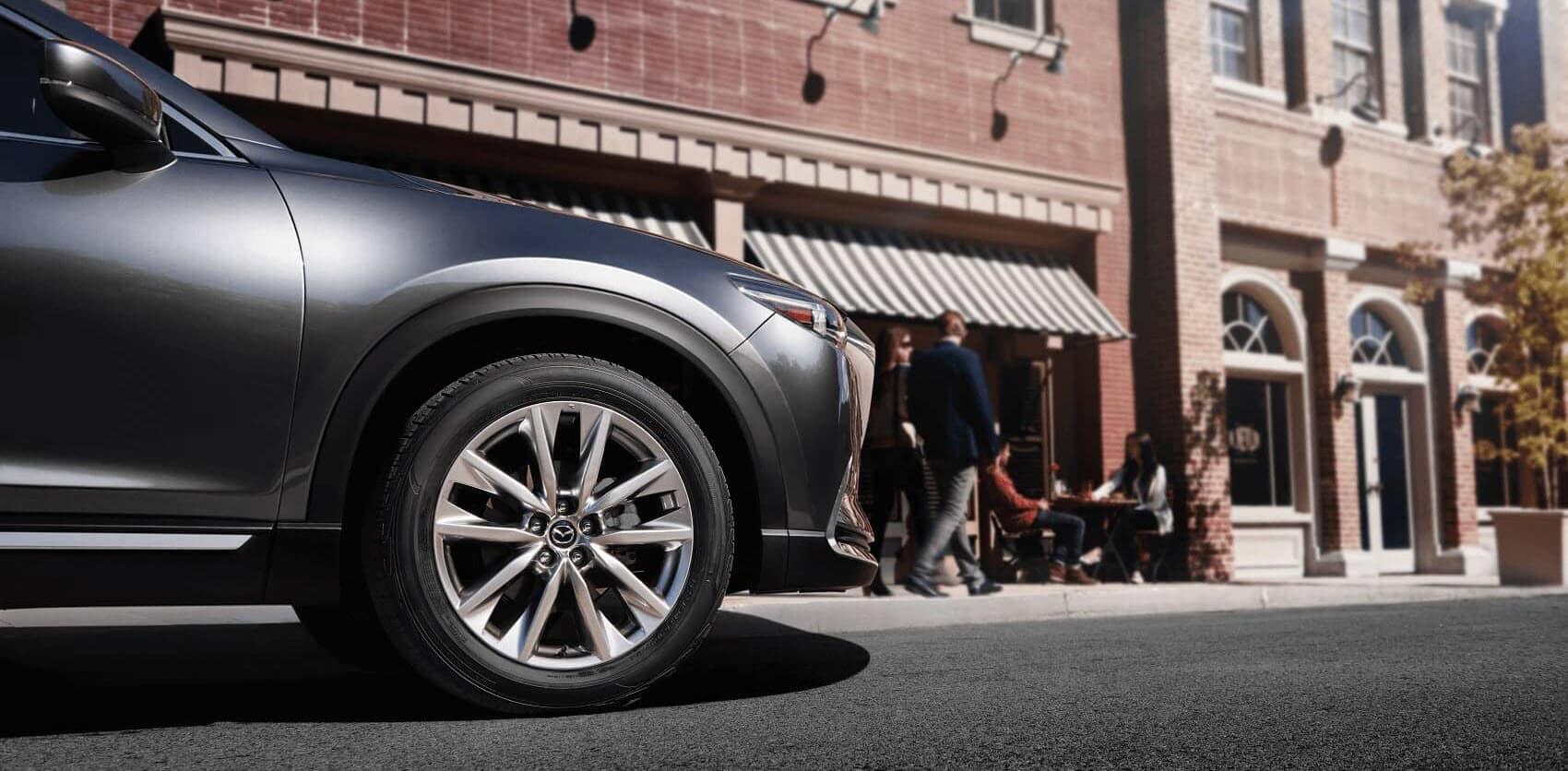 Mazda CX-9 Driving