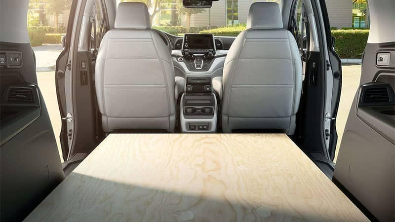 Car Seat Disposal >> Compare 2019 Honda Odyssey vs. 2019 Toyota Sienna