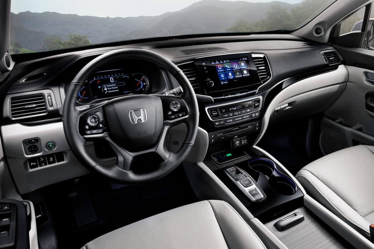 2020 Honda Pilot Interior Cockpit Driver Side