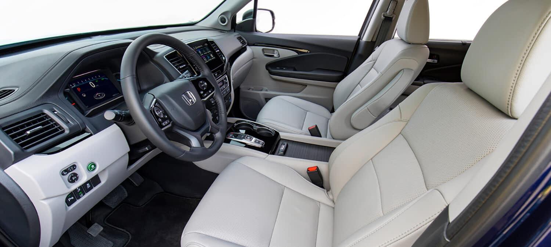 2020 Honda Pilot AWD Interior Cockpit Driver Side