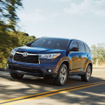 2016 Toyota Highlander on road