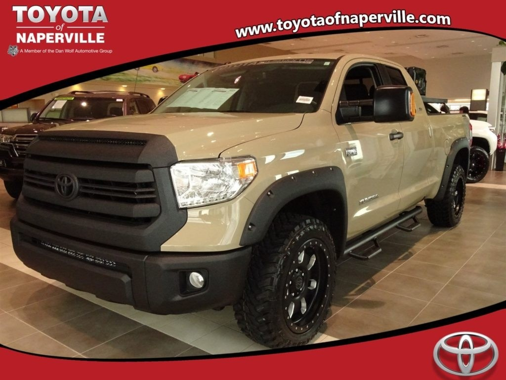 New 2017 Toyota Tundra SR5 4D Double Cab