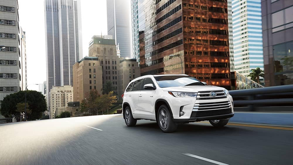 2018 Toyota Highlander Driving