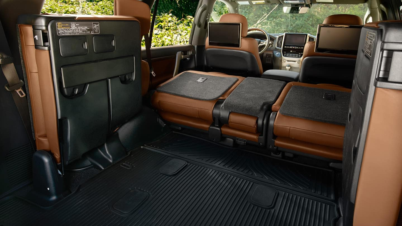 2018 Toyota Land Cruiser Interior 1