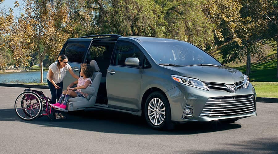 2018 Toyota Sienna XLE with Available Auto Access Seat