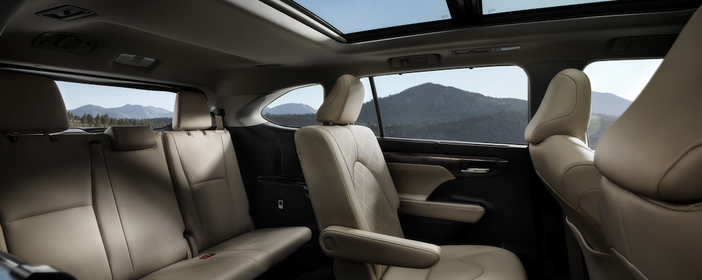 2020 Toyota Highlander interior seating with sun coming in