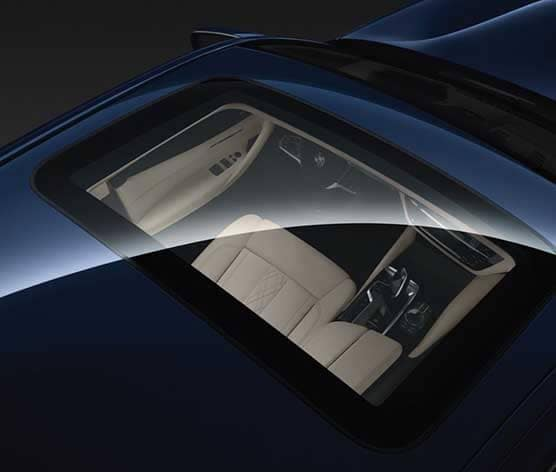 2018 BMW 5 Series moonroof