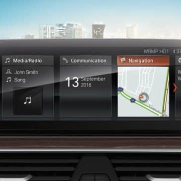 2018 BMW 5 Series display screen