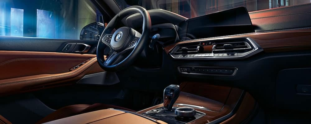 BMW-MY19-X-Series-X5-Gallery-Interior-view of front seats and dash