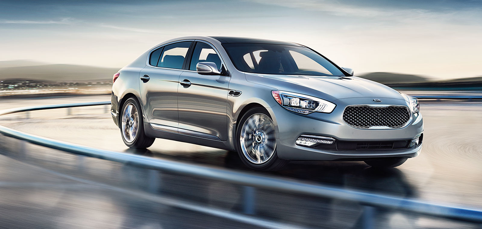 New 2015 Kia K900 moving| Quirk Kia in Manchester NH