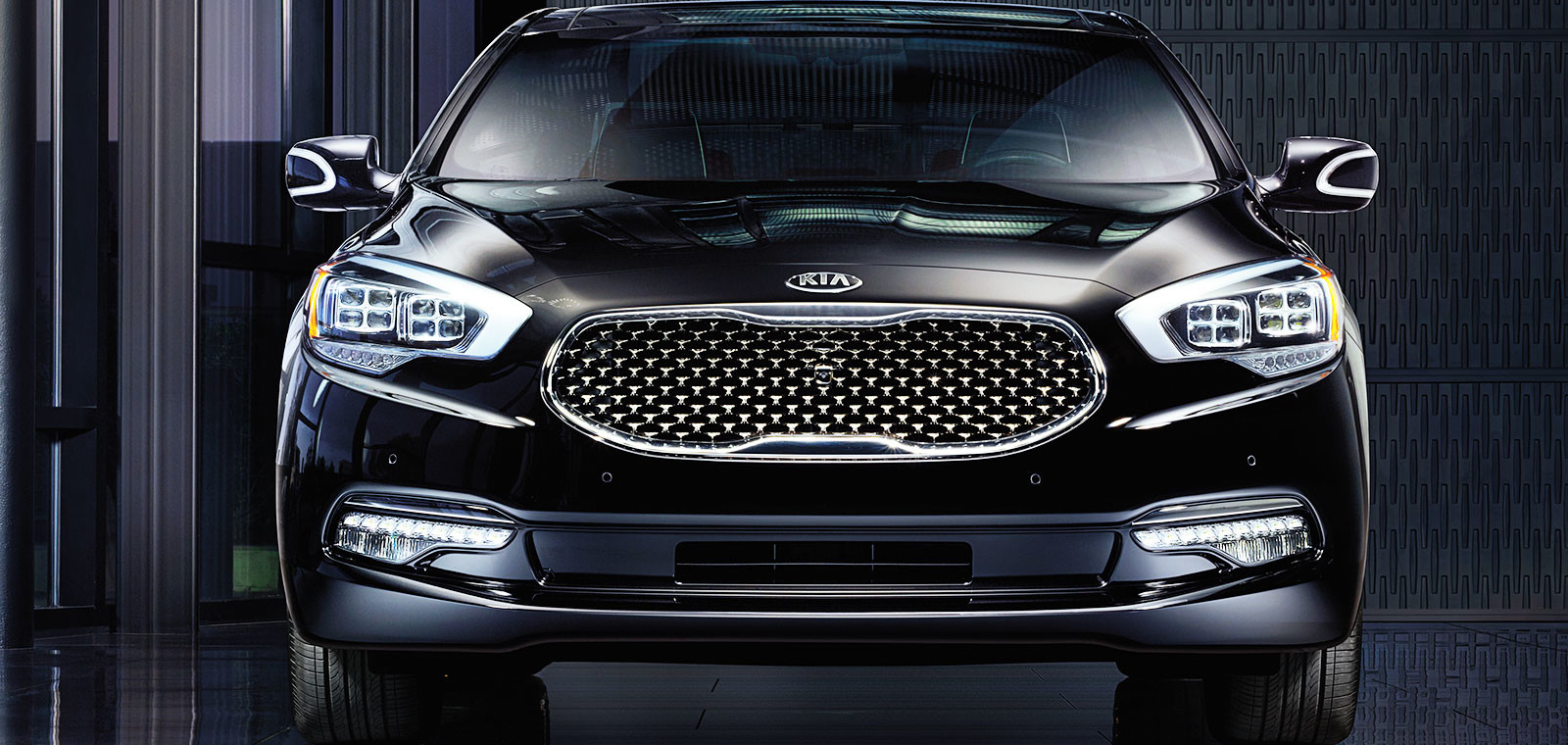 New 2015 Kia K900 parking| Quirk Kia in Manchester NH