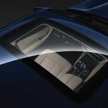 2018 BMW 5 Series roof