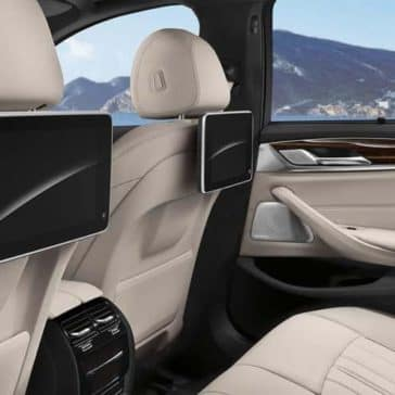 2019 BMW 5 Series entertainment