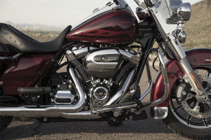 2017 Harley-Davidson Road King exterior