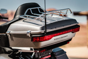 Harley-Davidson Road Glide Ultra rear storage