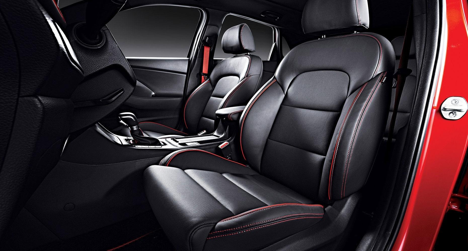 2018 Hyundai Elantra GT seats