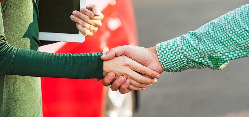Green_handshake