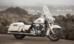 2015 Touring Road King Exterior Side