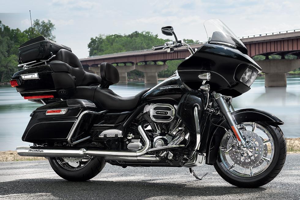 Black Forks On Ultra Classic Harley Davidson