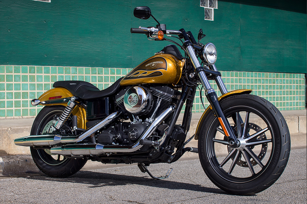 2017 harley-davidson® street bob®: stripped down to just the