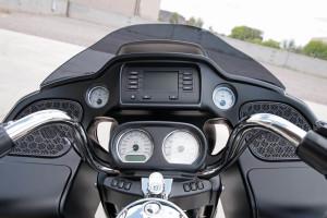 2017 Harley-Davidson® Road Glide® infotainment
