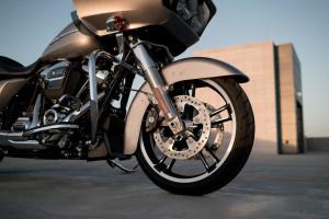 2017 Harley-Davidson® Road Glide® wheel