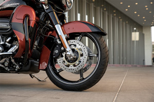 Harley-Davidson CVO Street Glide wheel