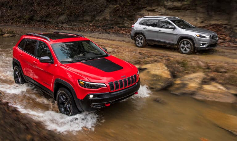2021 Jeep Cherokees exterior offroad in stream