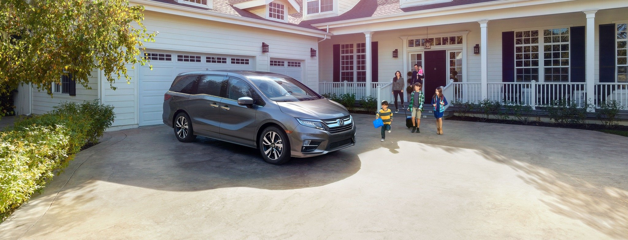 2018 Honda Odyssey in front of house - Milwaukee, WI