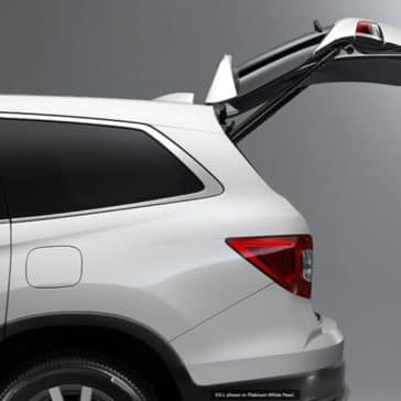 2020 Honda Pilot Exterior side hatch open