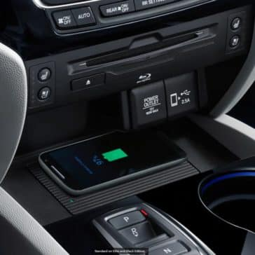 2020 Honda Pilot Interior wireless charger