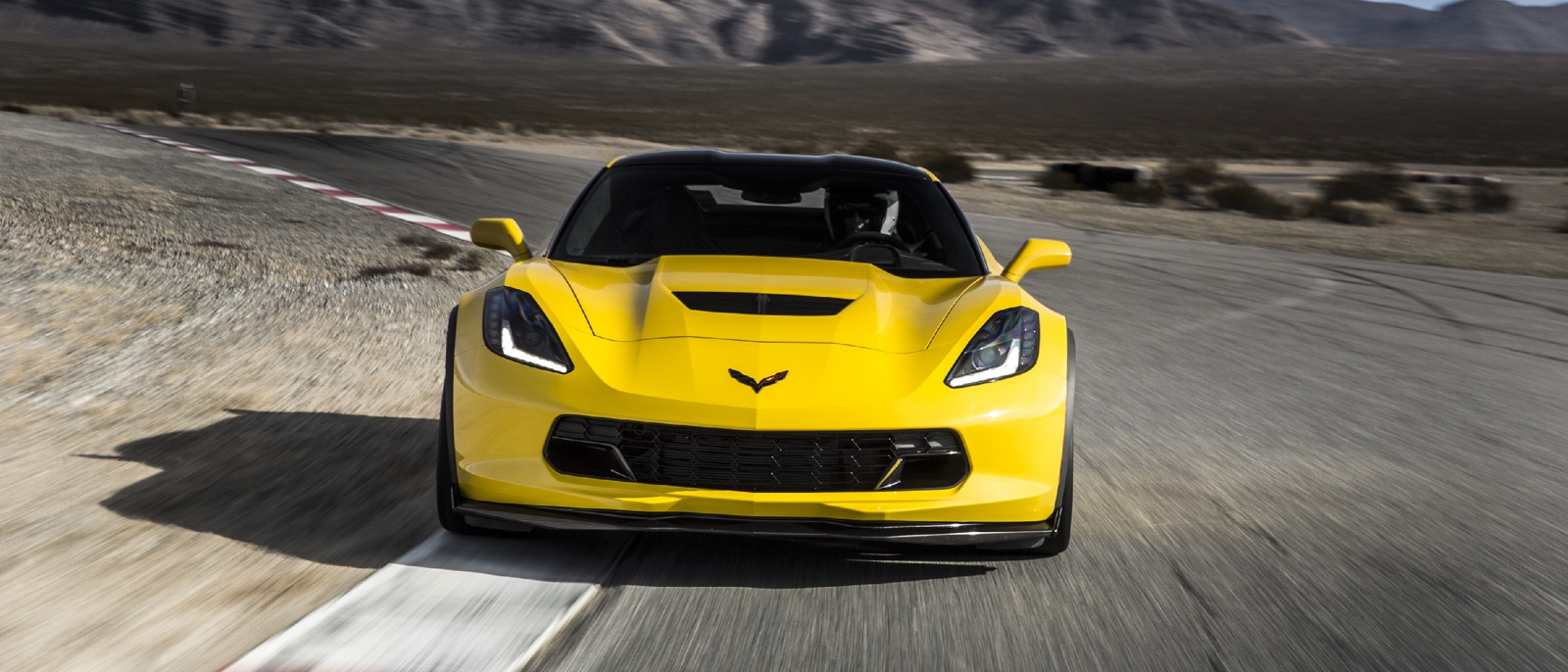 2015 Corvette Z06 yellow exterior