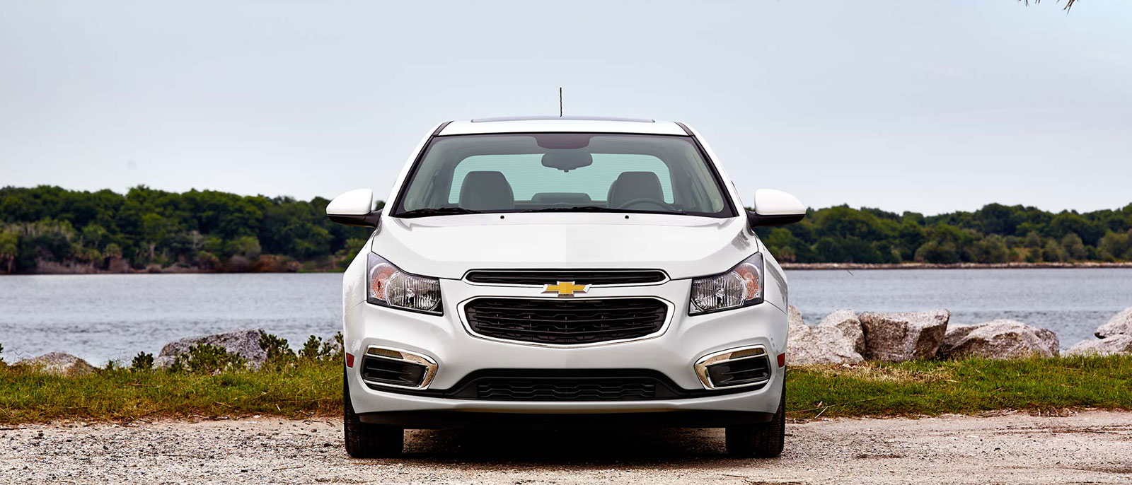 2015 Chevrolet Cruze front view