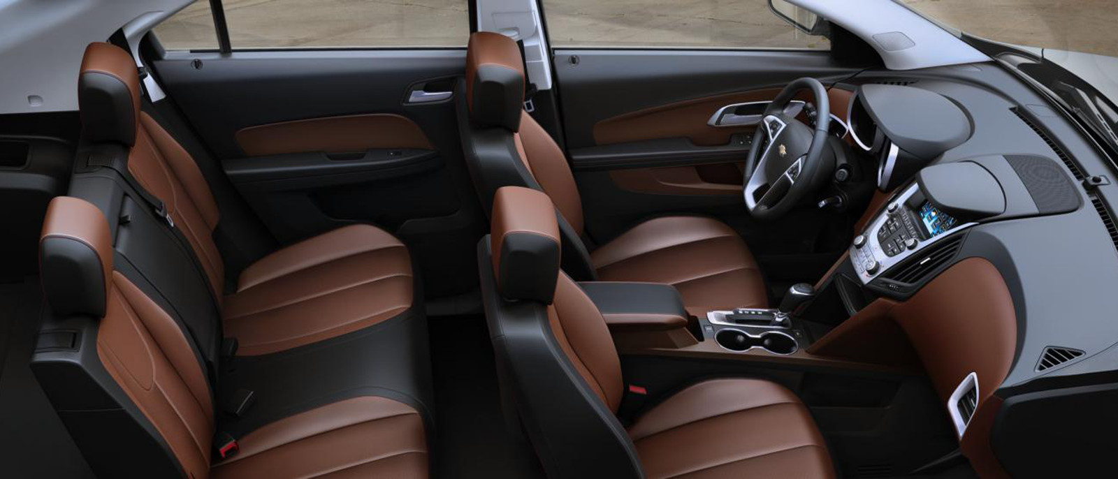 2016 Equinox Spacious Interior