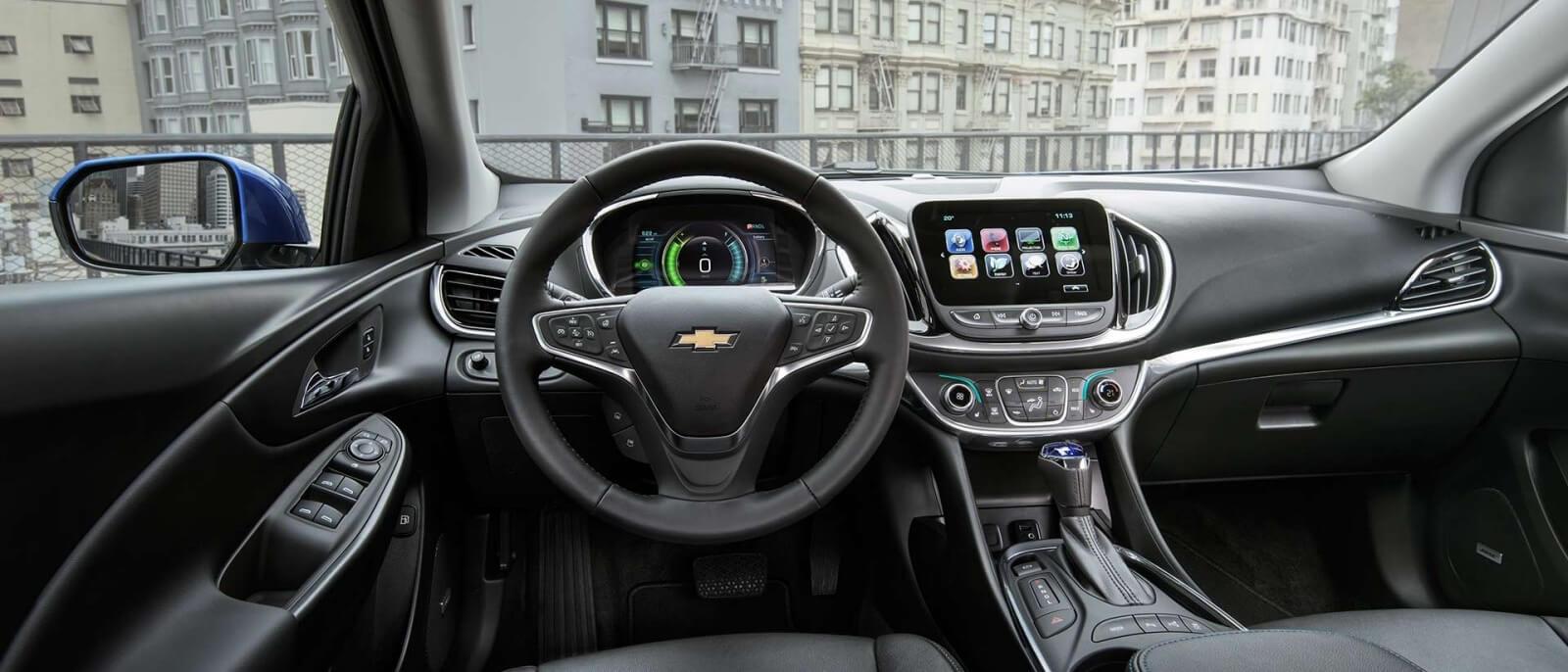 2017 Chevrolet Volt front interior