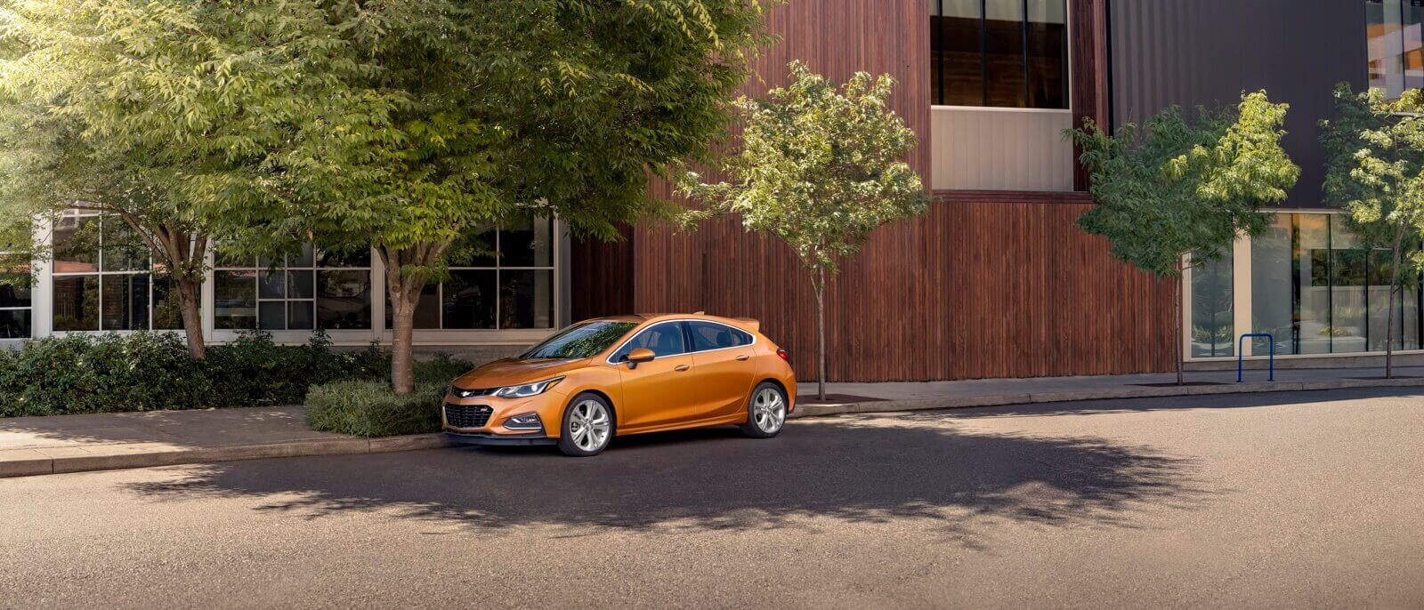 2017 Chevrolet Cruze Hatchback orange exterior