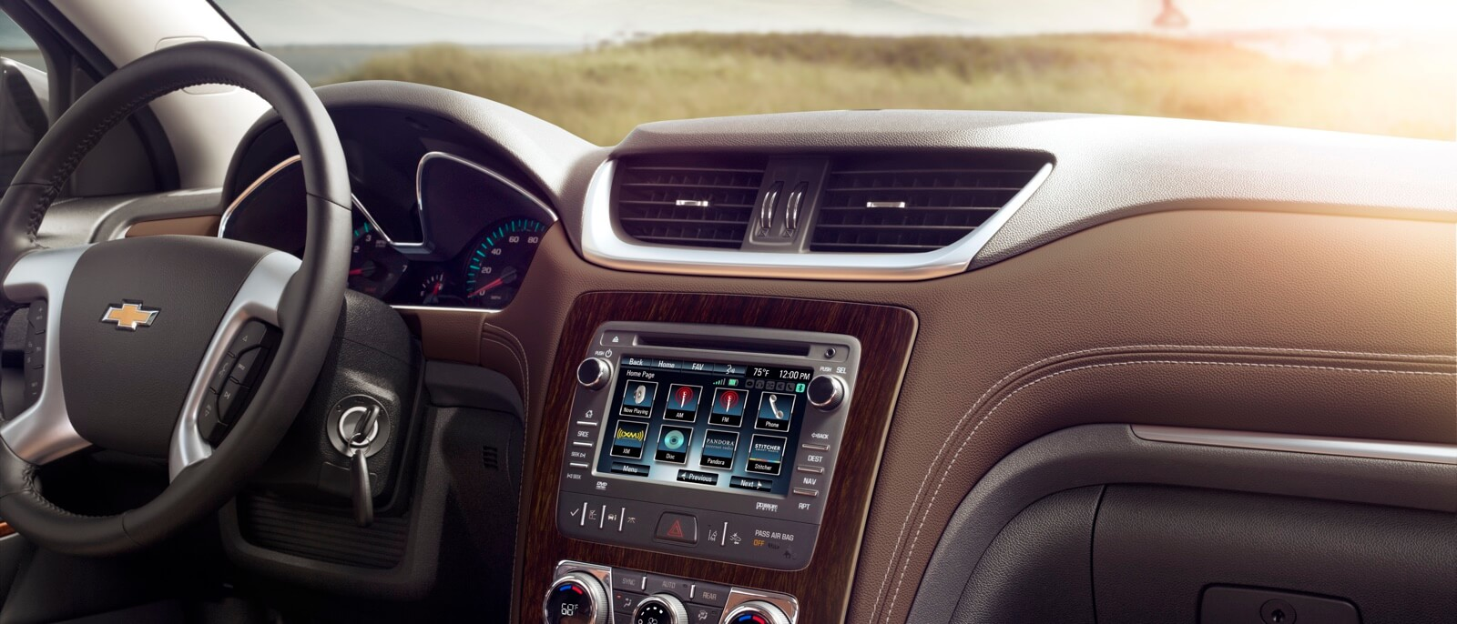 2017 Chevy Traverse interior features