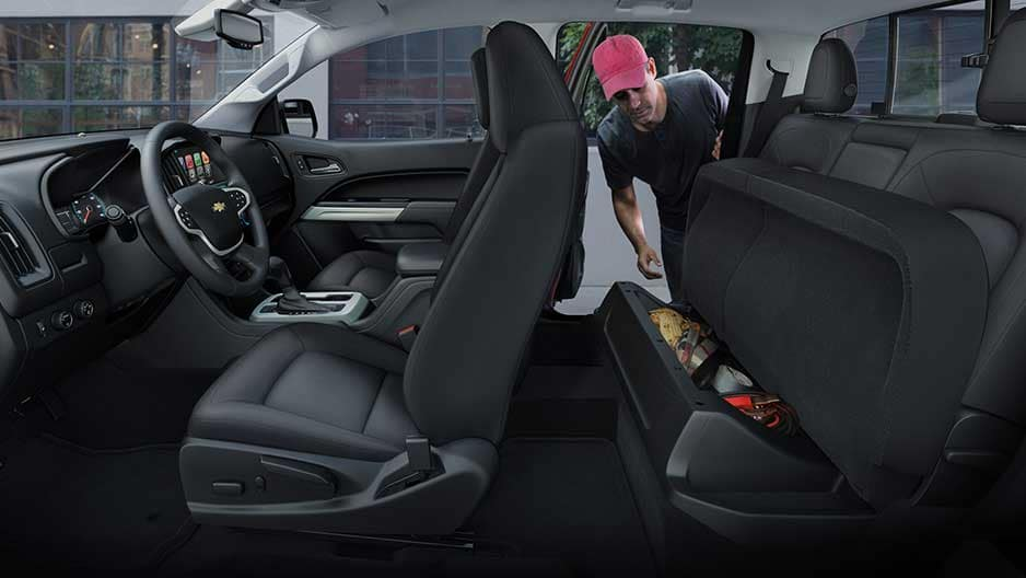 Interior Features of the New Chevrolet Colorado at Garber in Chicago, IL