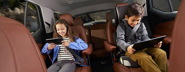 2018 Chevrolet Traverse Children on electronic devices back seats