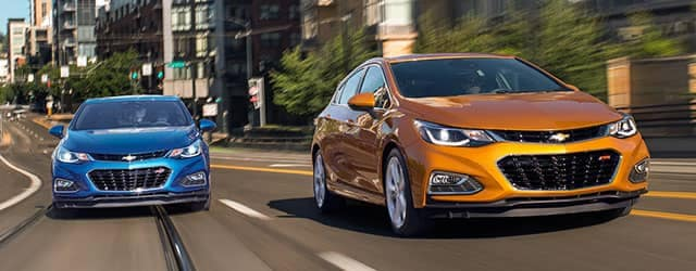 2018 Chevrolet Cruze Hatch and Sedan Driving