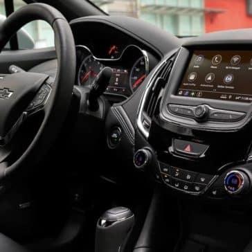 interior dash of 2019 Chevrolet Cruze