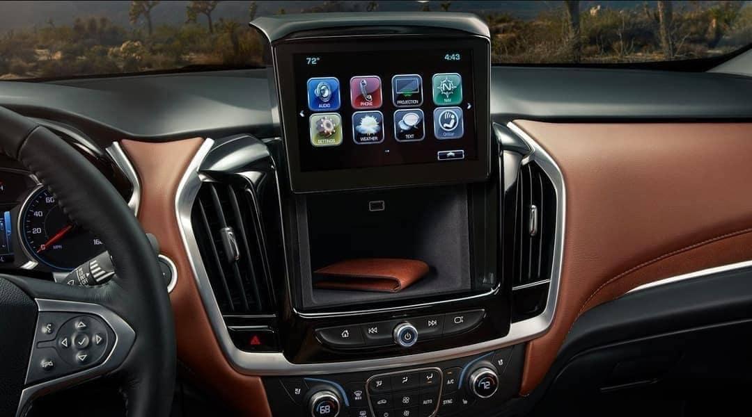 2019-Chevrolet-Traverse-dashboard-storage-behind-infotainment-screen